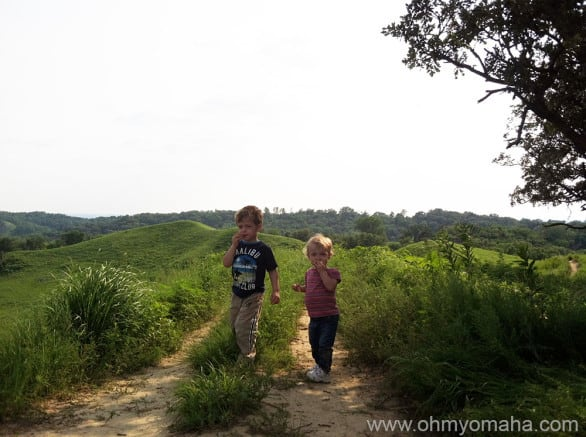 Kids walking along one of the ridges at Hitchcock Nature Center
