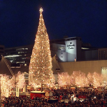 Check out the Mayor's Tree at Crown Center in Kansas City. Photo courtesy Visit KC