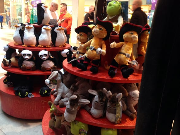 So many cute plush dolls to choose from.