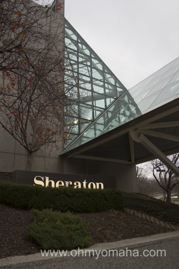 Exterior of Sheraton Crown Center in Kansas CIty