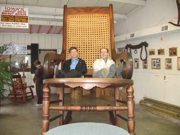 Amana Colonies Bucket List - Sit on the Iowa's largest rocking chair #Iowa #USA