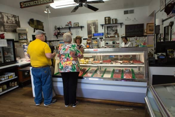Where to eat in the Amana Colonies - Try samples at the Amana Meat and Smoke House