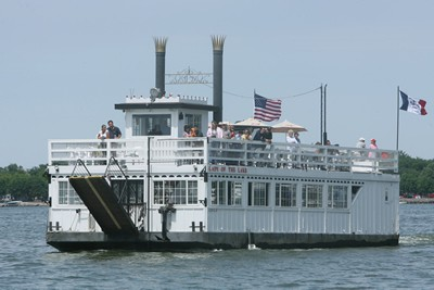 Clear Lake Bucket List - Take a ride on the Lady of the Lake