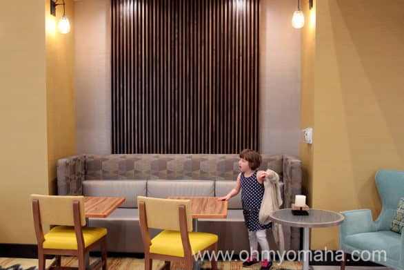 Dining area in the lobby of the Hampton Inn & Suites near the Wichita airport.