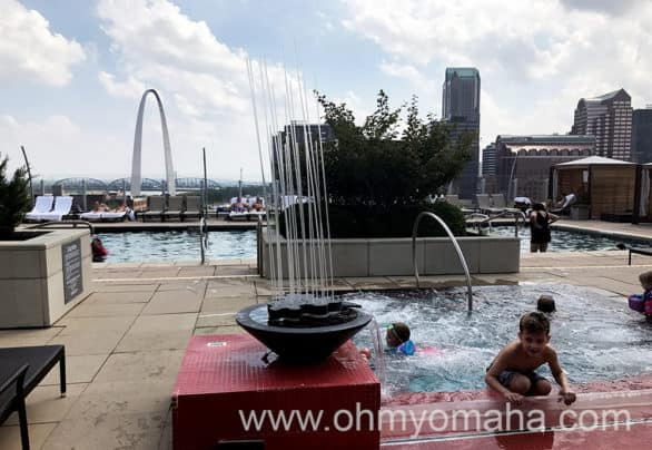 Rooftop pool and hot tub at the Four Seasons in St. Louis, Missouri