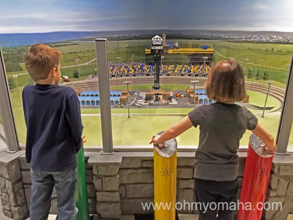 Kansas City attractions for kids - Racing cars at LEGOLAND Discovery Center