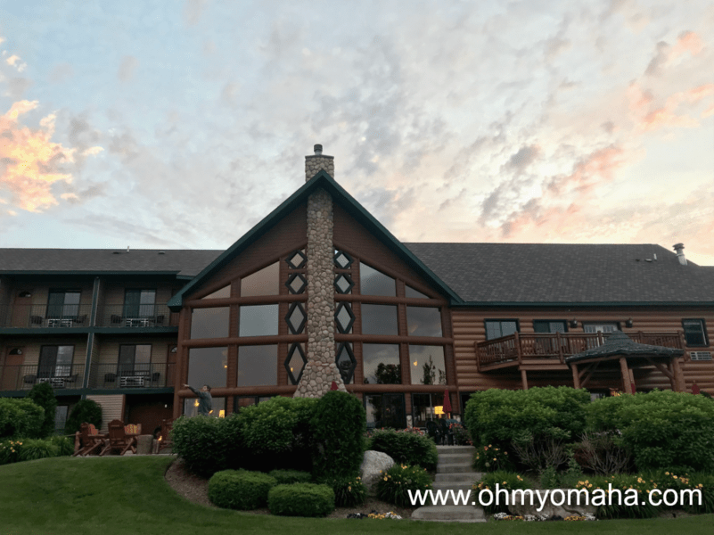 Where to stay in the Petoskey area - Stafford's Crooked River Lodge in Alanson, Michigan