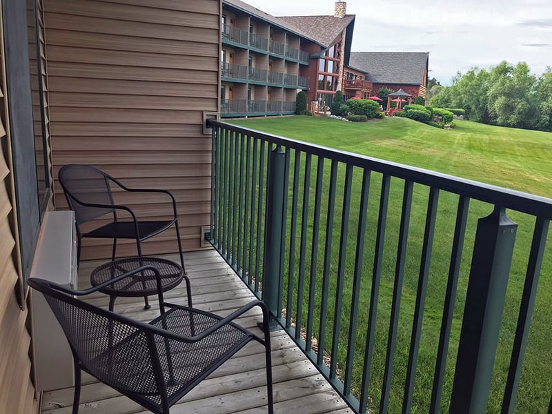 Guest private balcony at Stafford's Crooked River Lodge