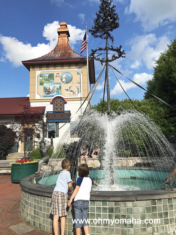 Things to do in Frankenmuth, Michigan - Walk around the charming Main Street and admire the architecture and fountain