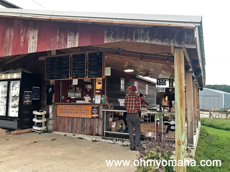 There's usually a line at Luna Valley Farm - two, actually. You can order pizza and appetizers in one line, and get your beer, wine or non-alcoholic beverages in the other.
