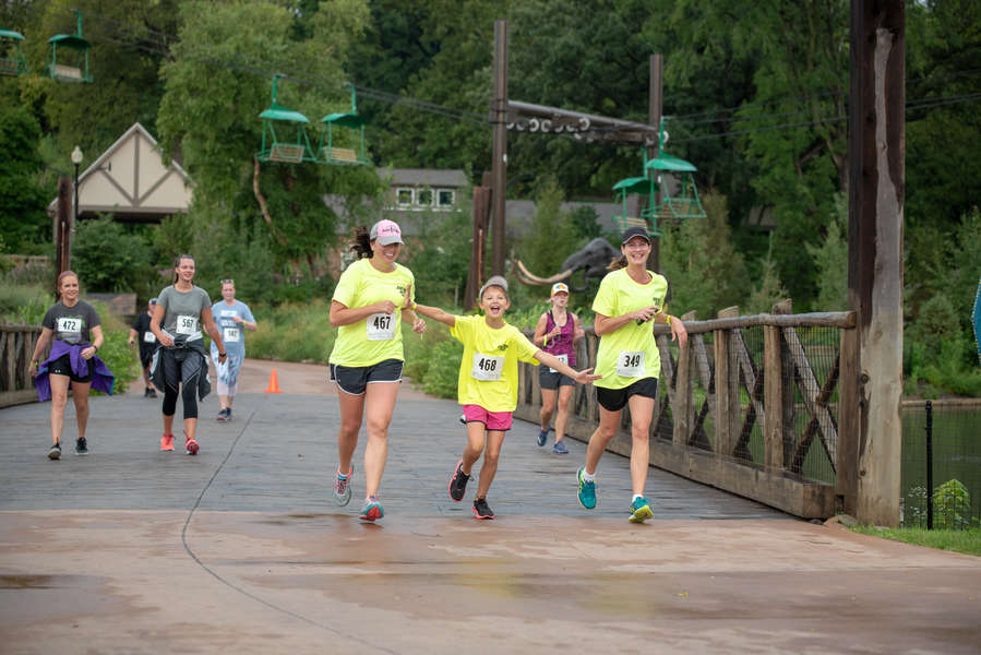 Runners at Omaha's Henry Doorly Zoo & Aquarium