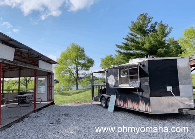 Things to do at Lake Icaria - Find the food truck at the beach
