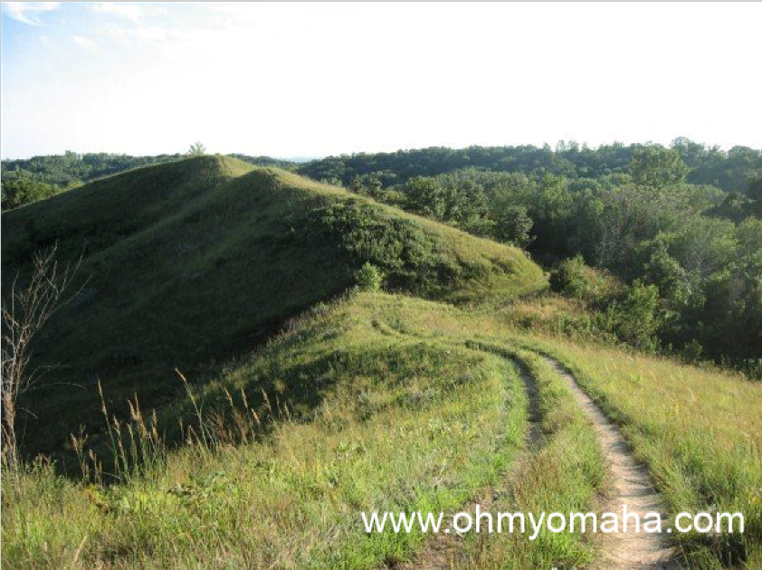 14 unique trails in Iowa - Loess Hills National Scenic Byway takes you through a picturesque region of Iowa. One of the parks in the Loess Hills is Hitchcock Nature Center.
