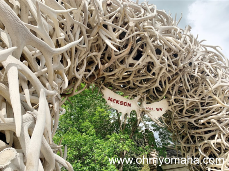 Real antlers were used to create the iconic sculptures at Jackson Town Square in Jackson Hole.