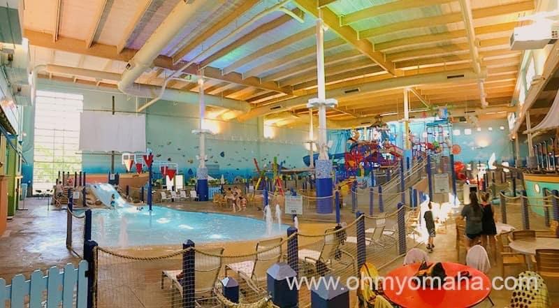 18 Fun Indoor Water Parks Near Omaha