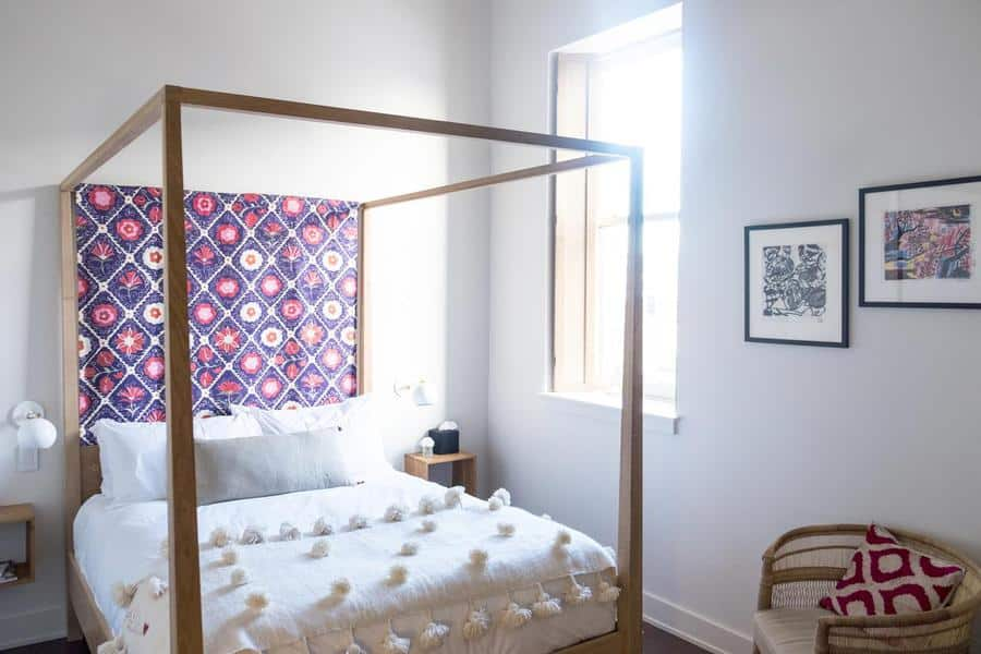 A guest room at Alma Minneapolis