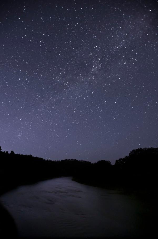 A view of the night sky in Nebraska near Merritt Reservoir State Recreation Area.